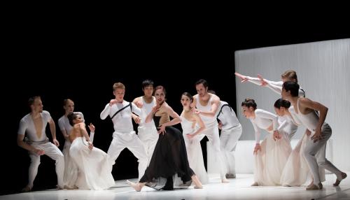 BalletMet's 'Carmen.maquia' a Lustful Triumph.